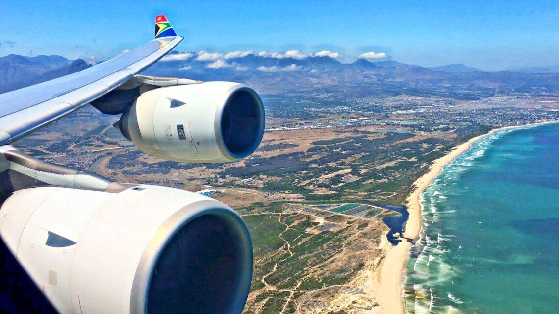 Йоханнесбургээс Кейптаун руу нисэх онгоц Өмнөд Африкийн Эйрвэйз онгоцоор одоо явж байна