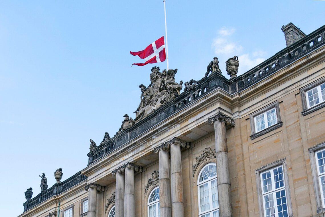Denmark menamatkan semua sekatan COVID-19 setelah penutupan selama 548 hari