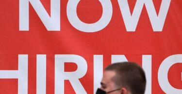 US jobs referre: Inaequalis recuperatio pro Otium et Hospitalitas