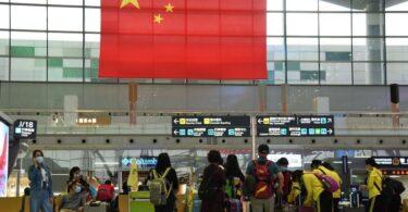 Хятадын аялагчид дахин нисэхэд бэлэн, тэсэн ядан хүлээж байна.