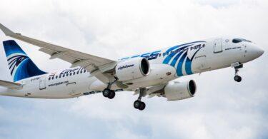 El vuelo de EgyptAir regresa a El Cairo después de encontrar un mensaje amenazante.