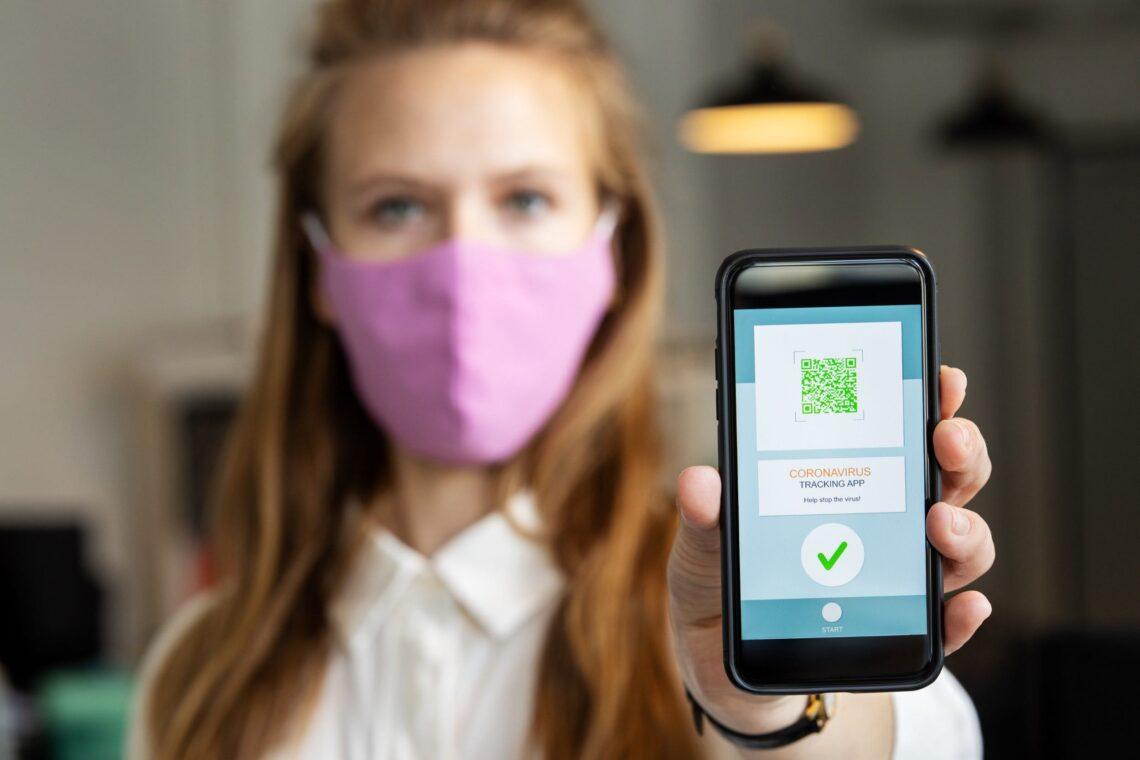 Настоява за бързо внедряване на цифровите здравни сертификати за въздушни пътувания