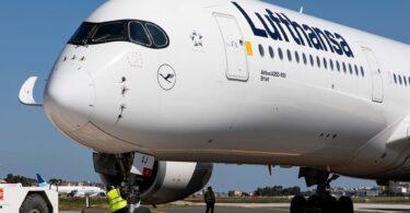 """""""Lufthansa"""" į laivyną įtraukė keturis naujus """"Airbus A350-900"""" lėktuvus"""
