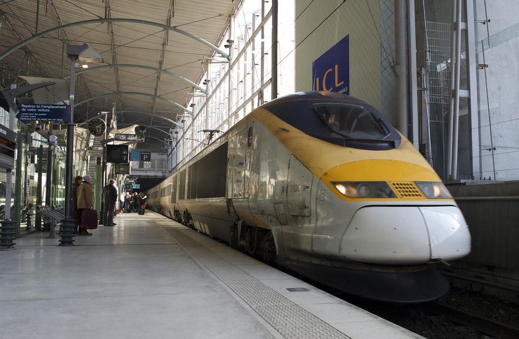 Jangan memakai 'topeng yang salah' di kereta Eurostar!