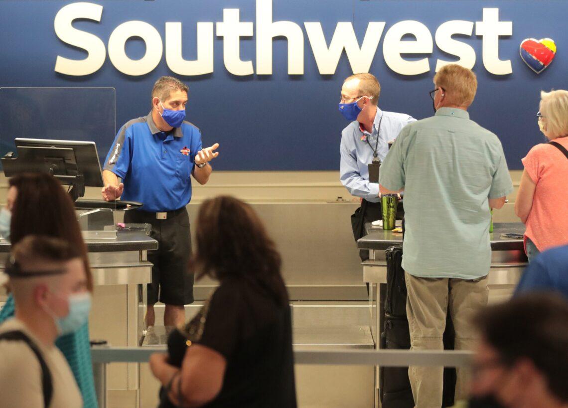 Thousands stranded as Southwest cancels hundreds more flights on Monday
