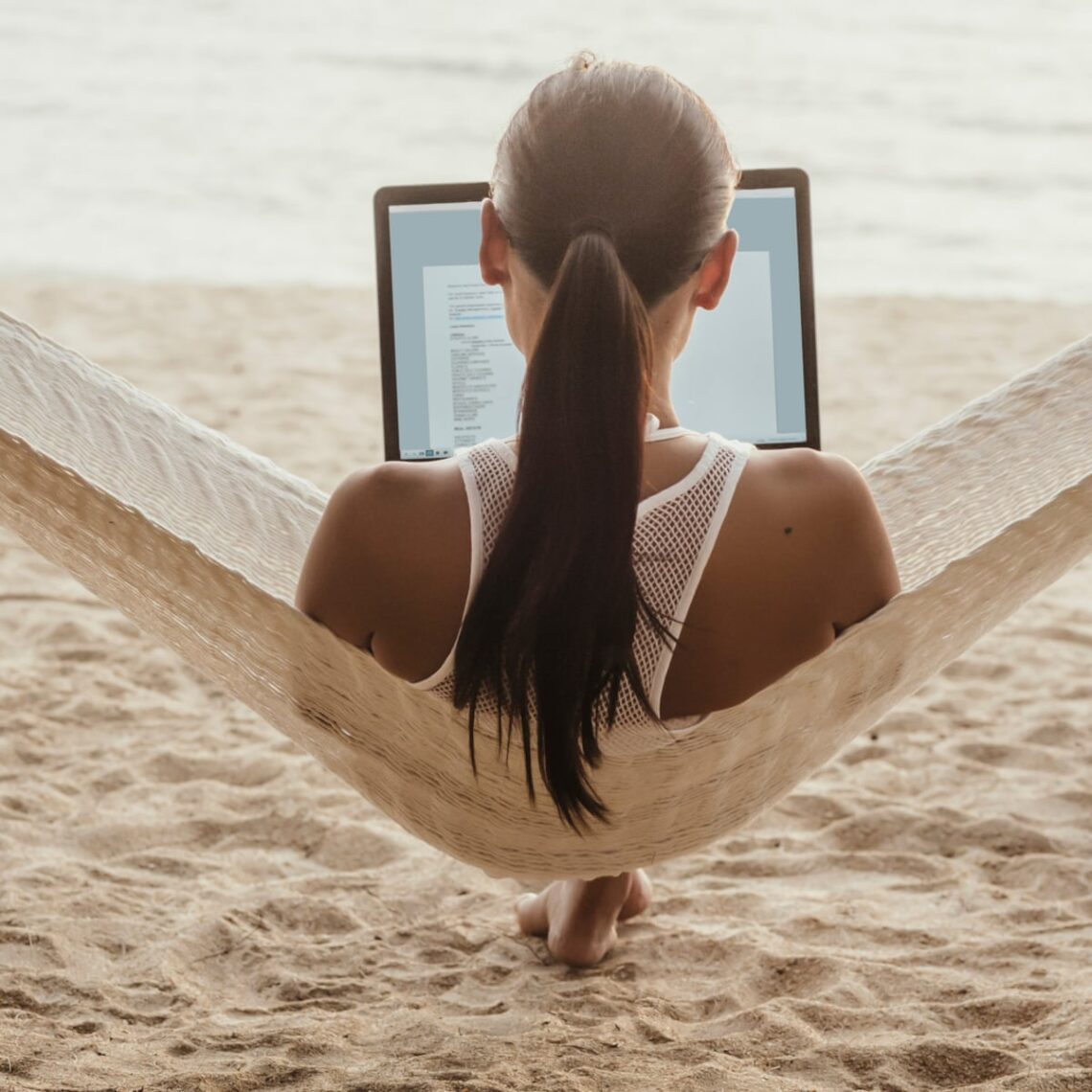Travelամփորդությունը և հեռավար աշխատանքը համատեղելը աճող միտում է