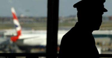 British Airways: Tsis muaj poj niam thiab txiv neej ntxiv lawm